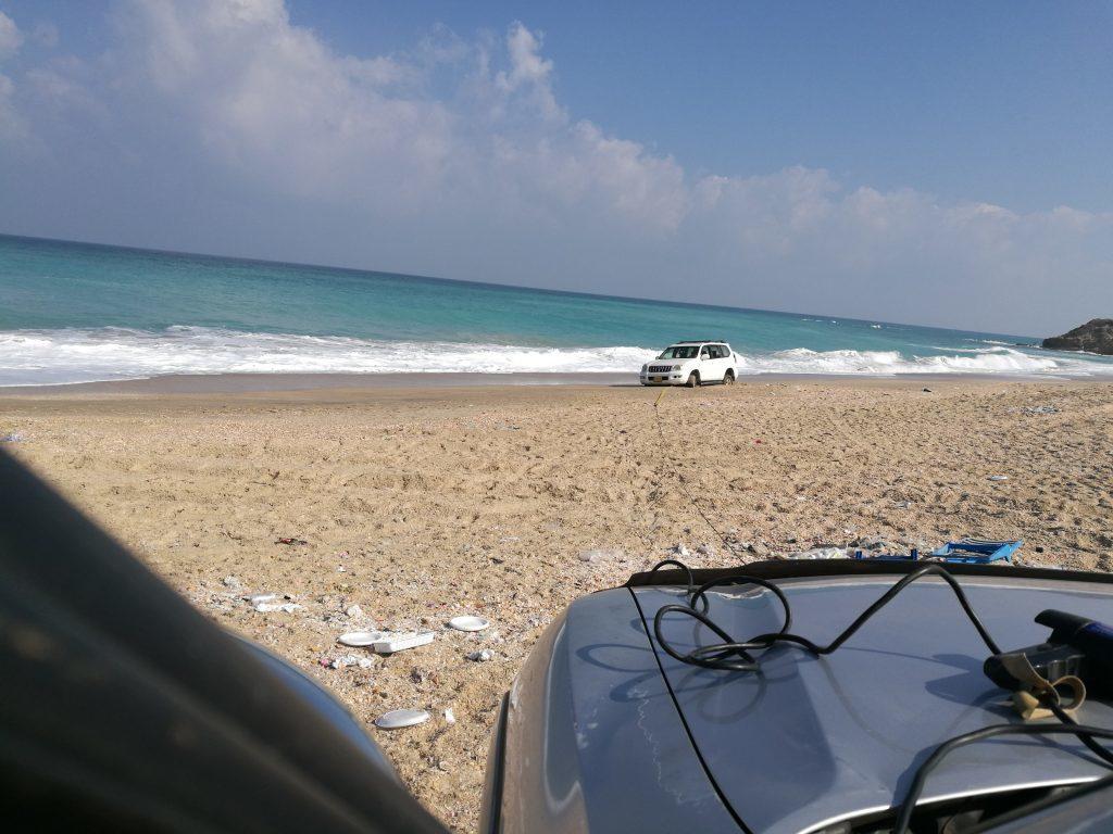 חילוץ באשקלון טויוטה מחוף הים