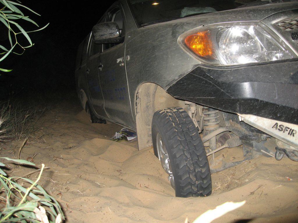 חילוץ שטח בנתניה טנדר בחול